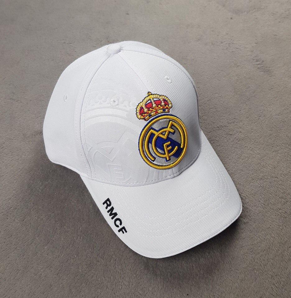 Футбольная кепка Реал Мадрид белая