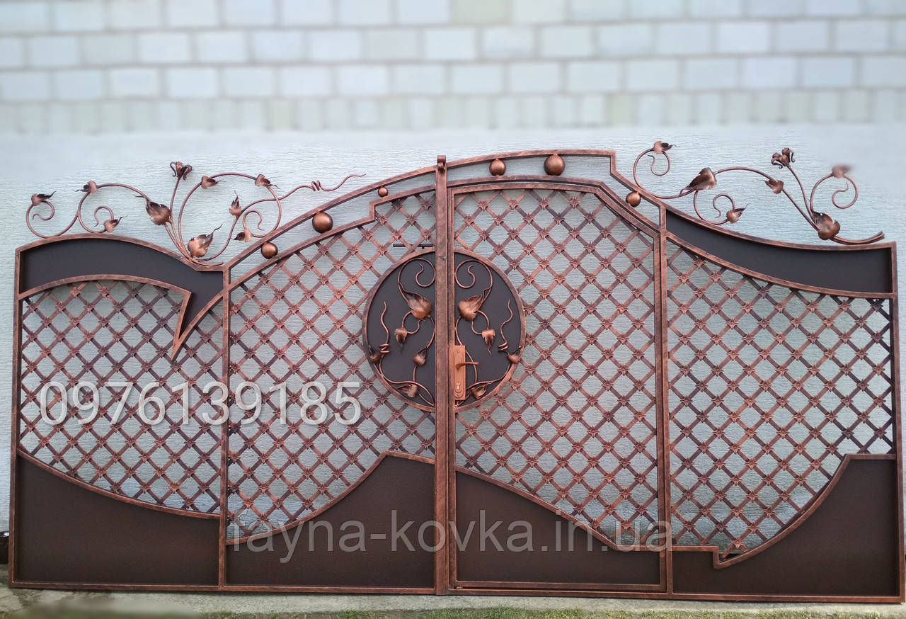Кованые ворота с калиткой всередине 2091