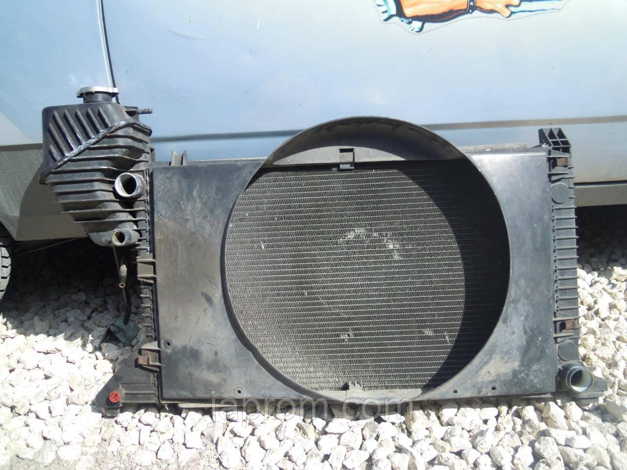 Радиатор охлаждение двигателя Mercedes Sprinter 2000-2005г.в. 2.2 CDI