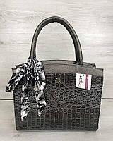 Классическая женская сумка Бьянка цвета металлик со вставкой серый лаковый крокодил