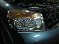 Передняя правая фара Nissan Armada