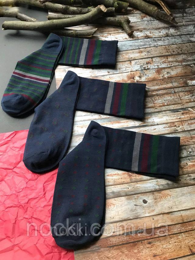 темные носки с принтами мужские