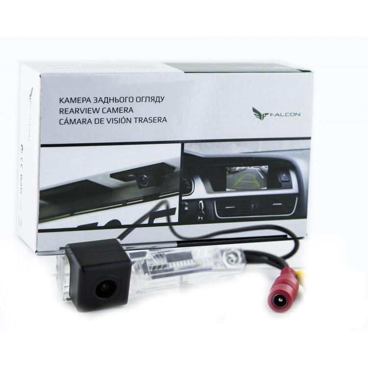 Штатная камера заднего вида Falcon SC09-XCCD. Skoda Superb 2002-2008/VW Caddy 2004+/Caravelle 2003+/Eos 2005+/G
