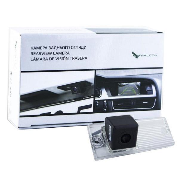 Штатная камера заднего вида Falcon SC41-XCCD. Kia Cerato 2003-2008/Lada Kalina