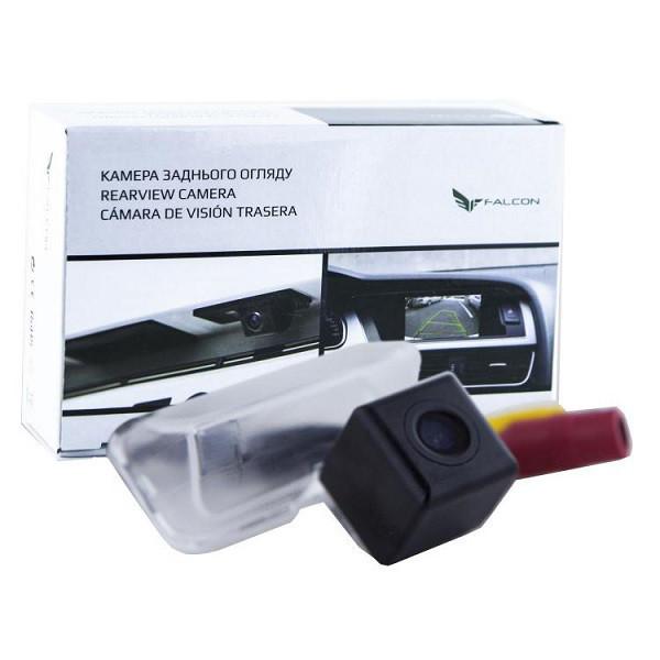 Штатная камера заднего вида Falcon SC61-XCCD. Toyota Corolla 2013+