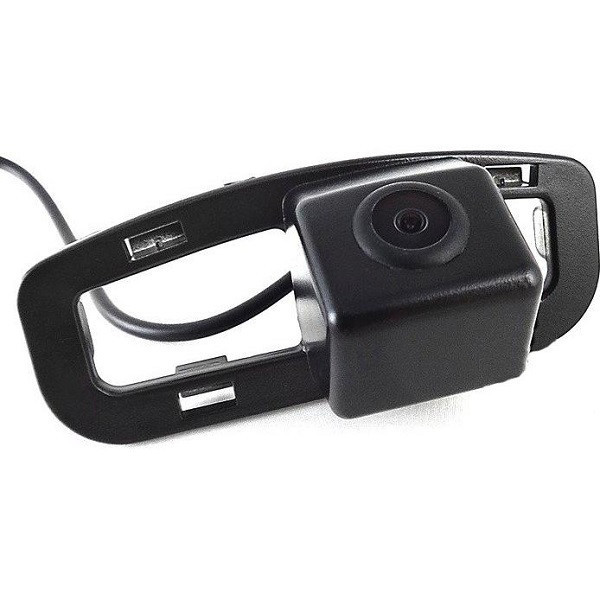 Штатная камера заднего вида Falcon SC80-XCCD. Honda Accord VIII 2007-2010