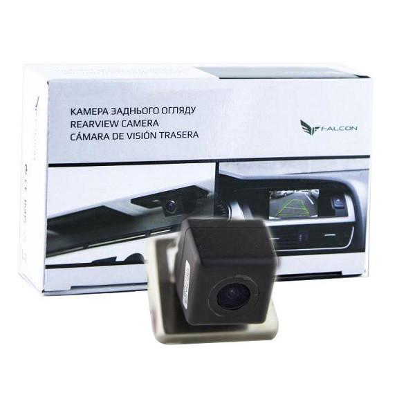 Штатная камера заднего вида Falcon SC104-XCCD. Renault Duster