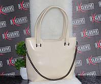 Кожаная сумка с декоративной съемной цепочкой