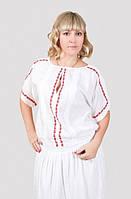 Стильная молодежная блуза из натуральной ткани украшена ручной вышивкой