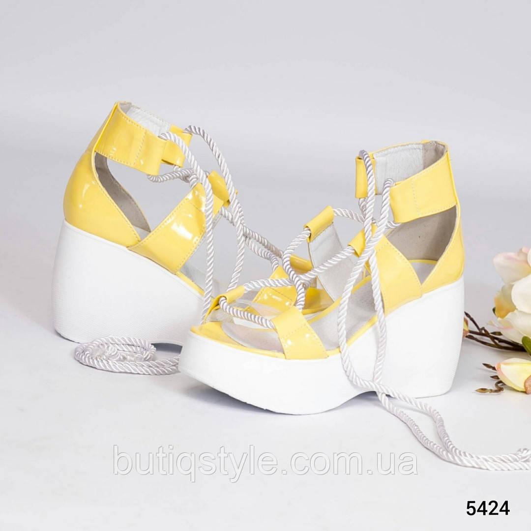 36, 37, 38 розмір Жіночі босоніжки жовті на шнурівці еко-шкіра 2019