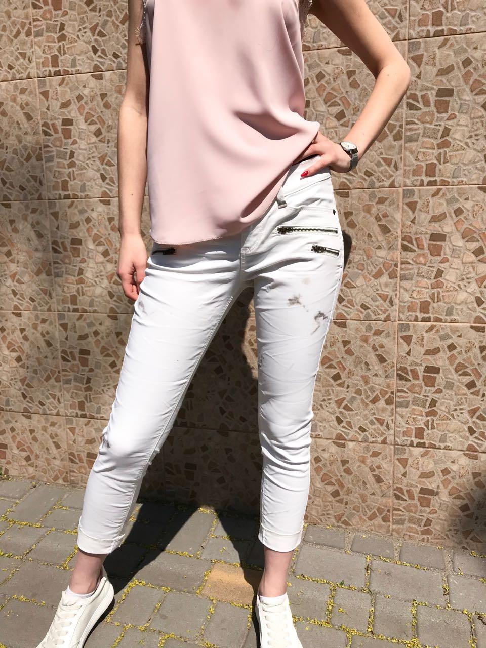 Женские белые джинсы (мрамор)