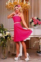 Нежное, милое платье с облегающим верхом и слегка расклешенным низом