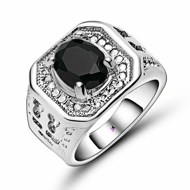 Роскошный мужской перстень с черным камнем