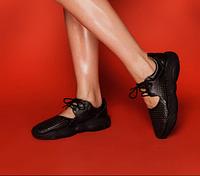 Летние облегченные кроссовки с перфорацией кожаные черные подошва в форме медвежонка, дышащая обувь женская