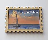 Деревянный магнит с крышечкой из прозрачного акрила Железный Порт