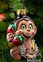 Стеклянная елочная игрушка Обезьянка с телефоном