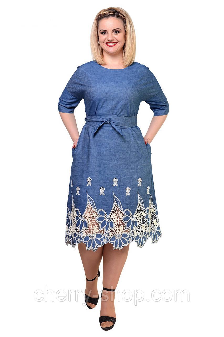 Красивое джинсовое женское платье в размере 46,48,50