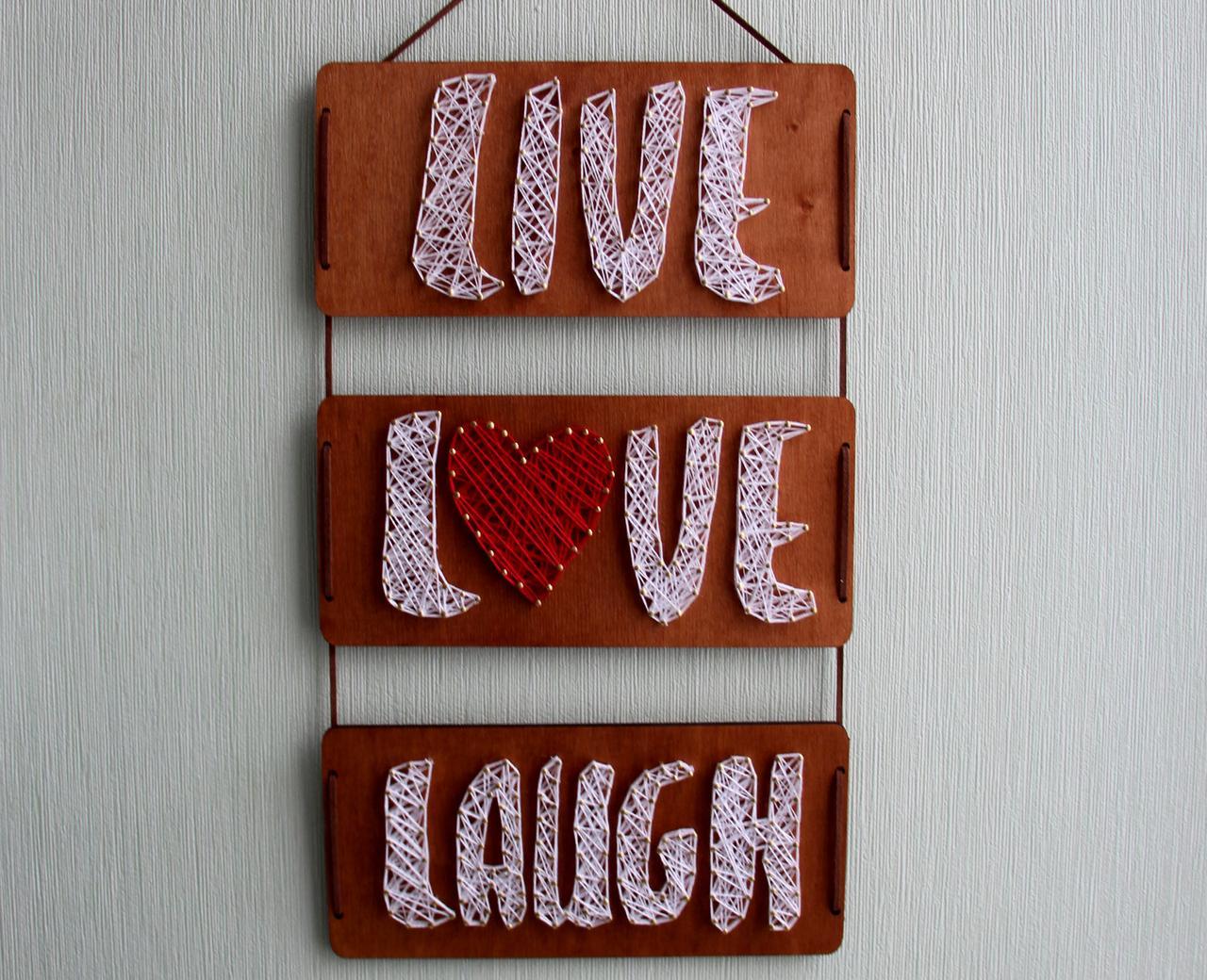 Панно стрінг-арт «Live, Love, Laugh»: біло-червоний декор для вашого інтер'єру / String Art
