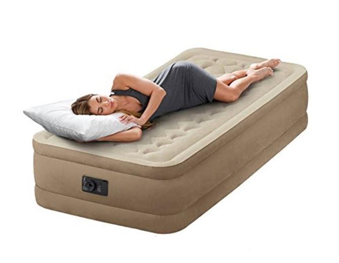 Кровать надувная Intex 64456 + встроенный насос