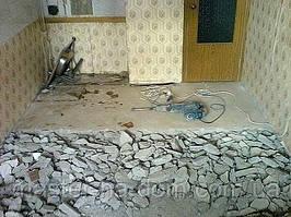 Демонтаж цементно-піщаної стяжки підлоги в Рівному