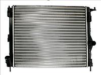 Радиатор охлаждения двигателя  DACIA LOGAN, LOGAN EXPRESS, LOGAN MCV, SANDERO; RENAULT LOGAN I 1.2-1.6LPG 09.