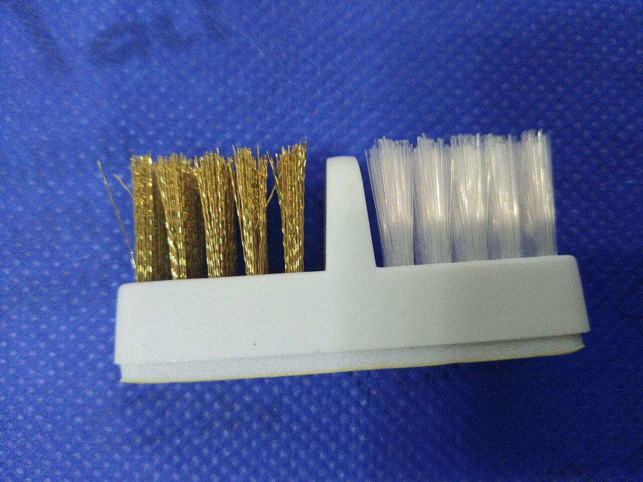 Щетка для чистки насадок и фрез для фрезера