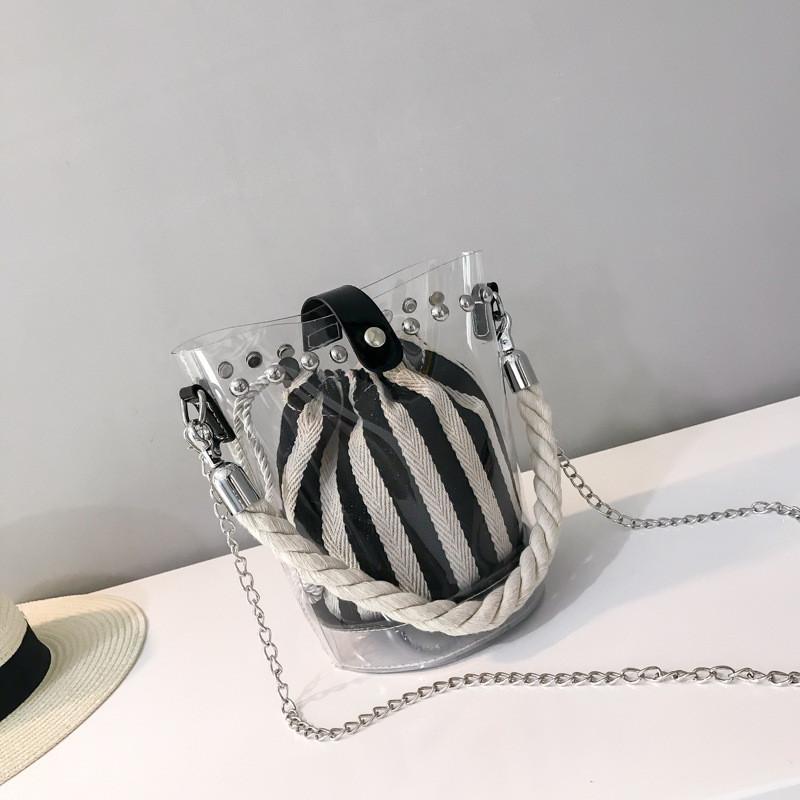 Маленькая сумочка-мешочек в черную полоску