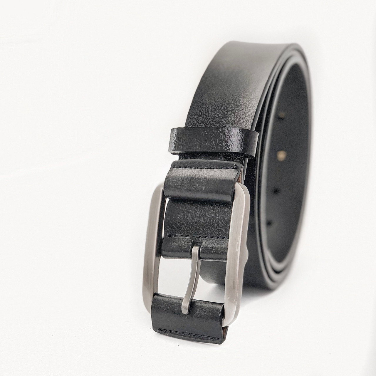 Мужской кожаный ремень черного цвета опт