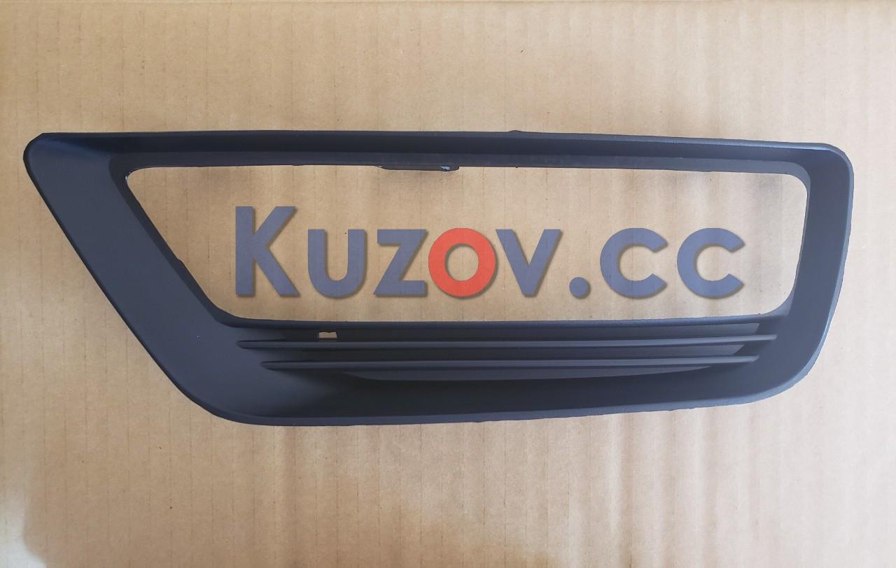 Решетка в бампере правая Honda Accord 9 (13-15) под ПТФ, EUR, USA (FPS) 71102T2AA10