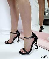 Босоножки с ремешком на каблуке черные лаковые, фото 1