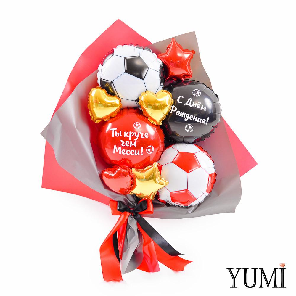 Букет из мини-фигур: Красный и черный футбольные мячи, красный и черный круги с надписями, золотые и красные