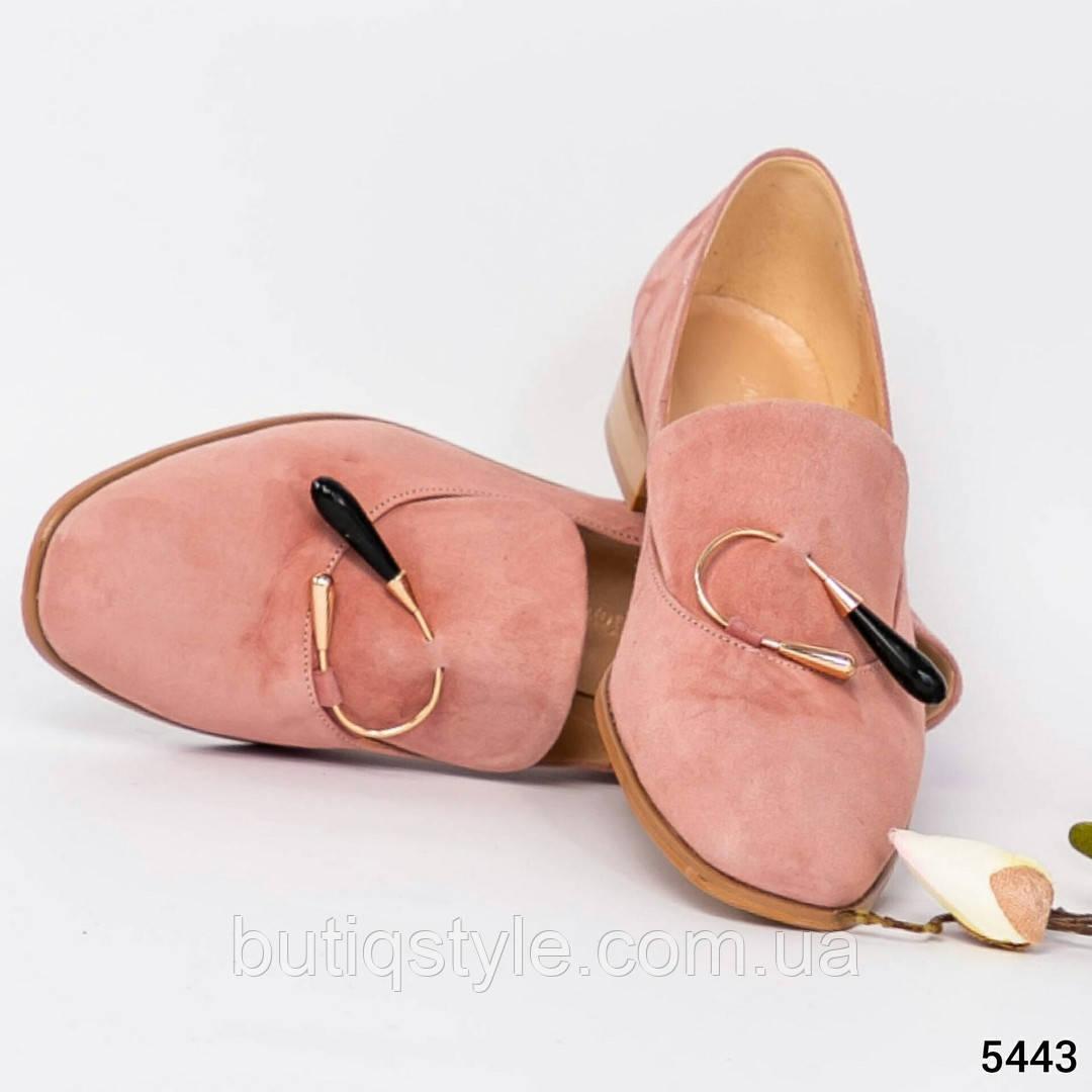 38, 40 размер Женские туфли-лоферы пудра с декором натуральный нубук, 2019