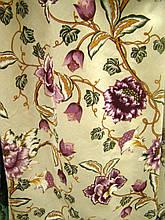 Ткань в стиле прованс, рисунок фиолетовый цветок на бежевом фоне, остаток 2 м