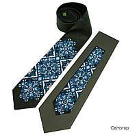 Черный мужской галстук из льна с синей вышивкой «Свитогор», фото 1