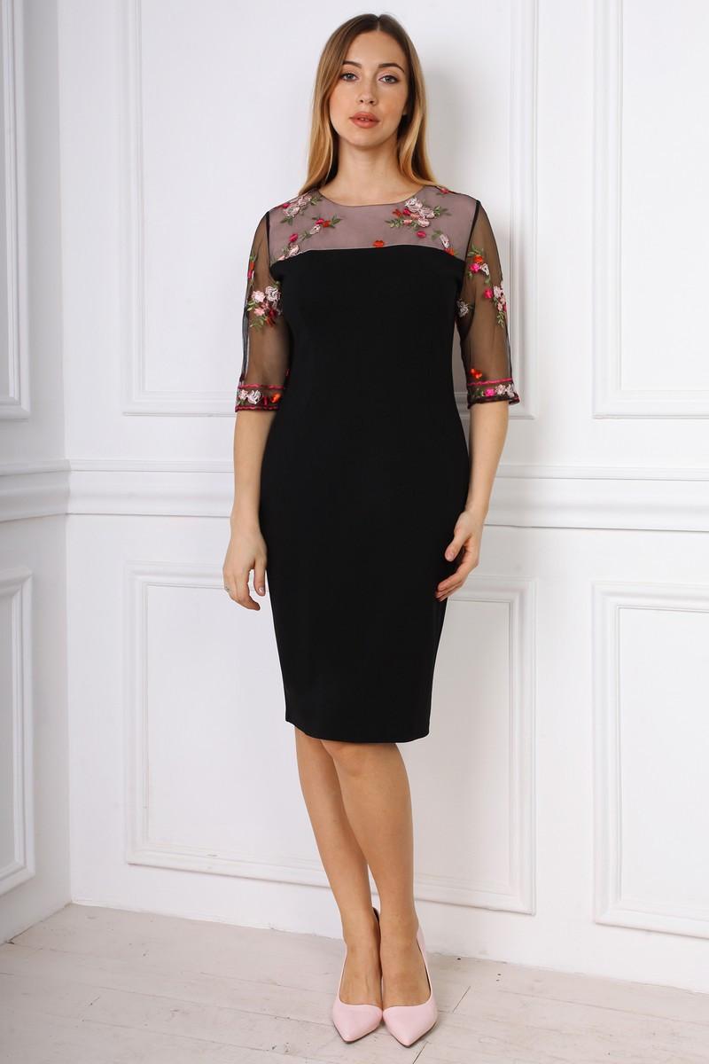 Элегантное облегающее платье с гипюровой отделкой 50-54