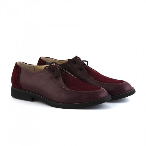 Бордовые туфли на низком каблуке
