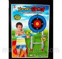 Арбалет со стрелами и мишенью
