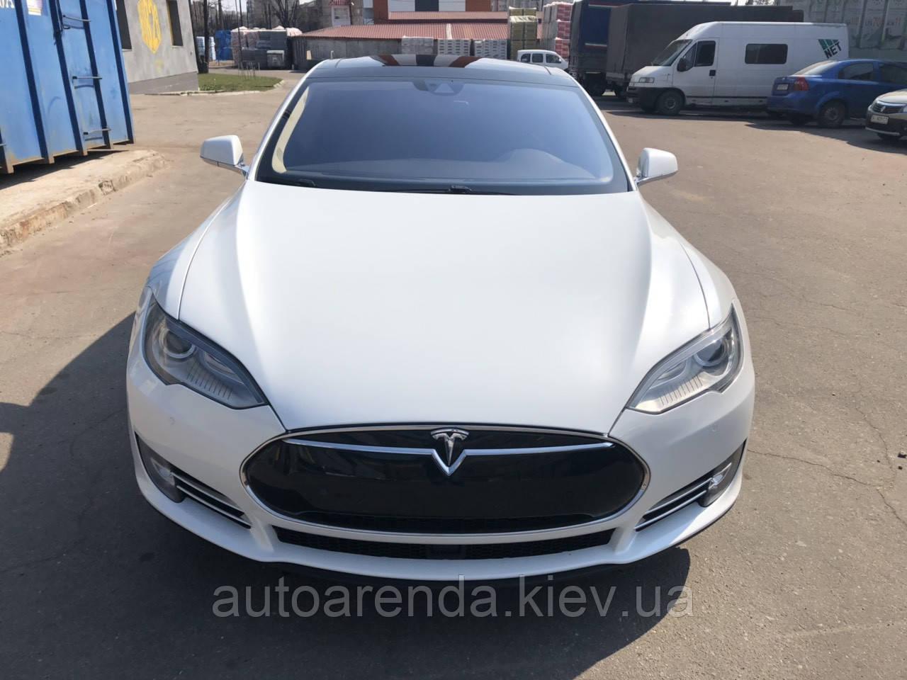 Аренда Tesla S 85