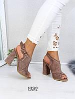 Нарядные женские босоножки на каблуке, фото 1