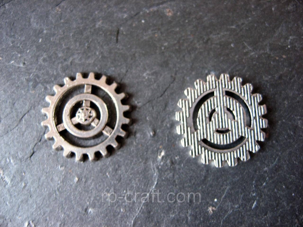 Підвіска металева. Шестерня, 18х18 мм