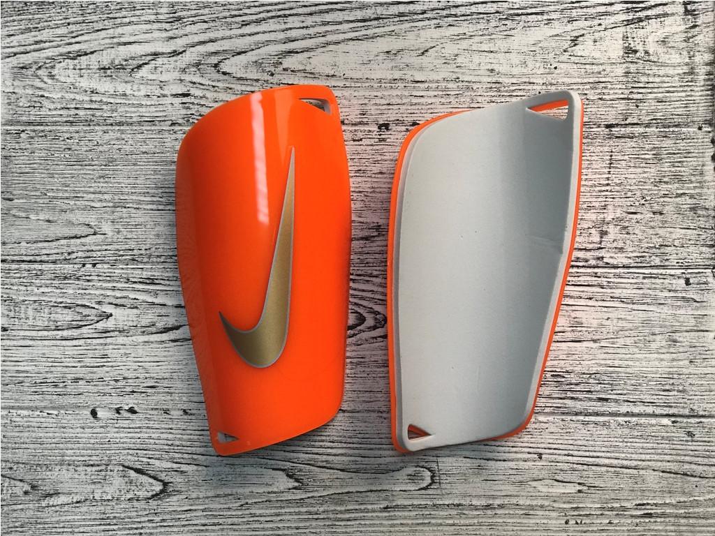 Футбольные щитки Nike Mercurial Lite Guard