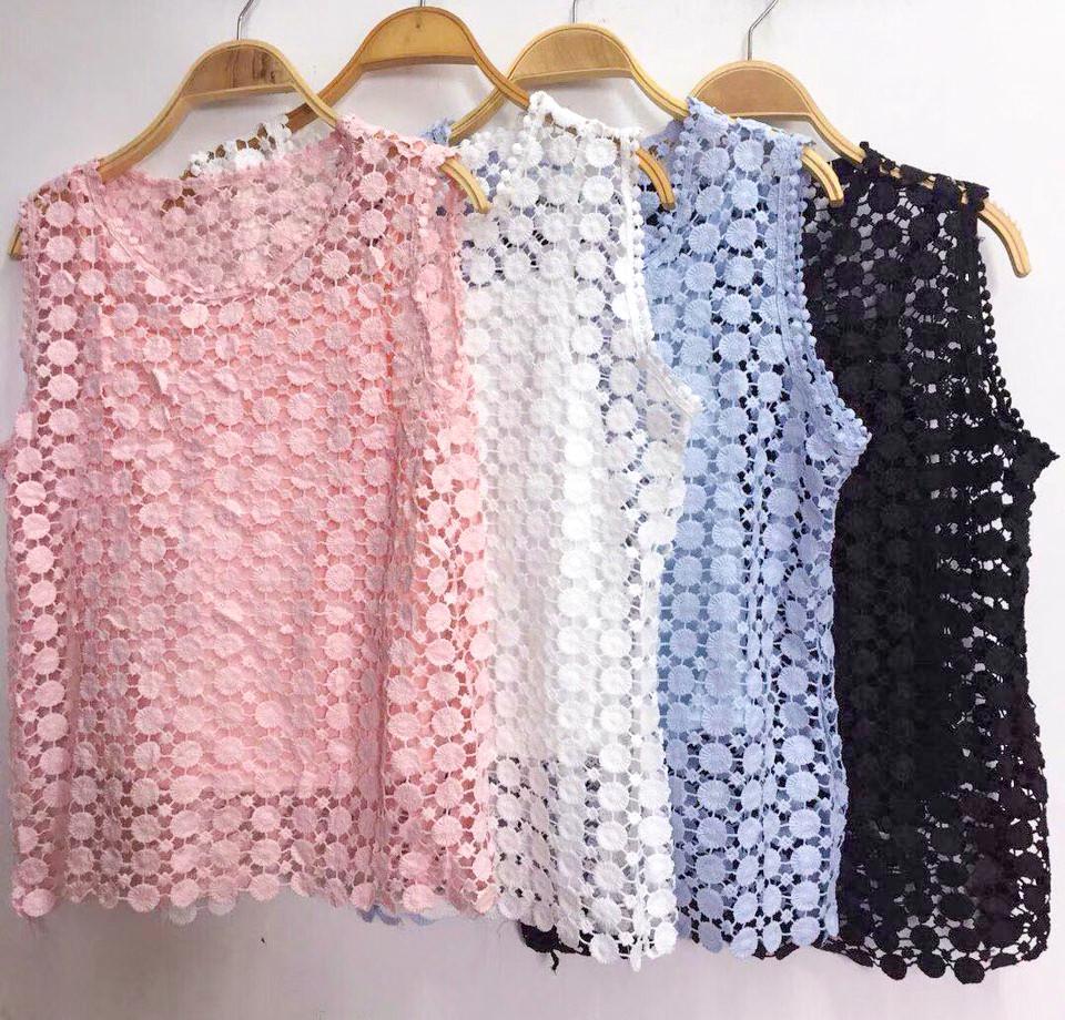Тонкая гипюровая блузка без рукавов 44-46
