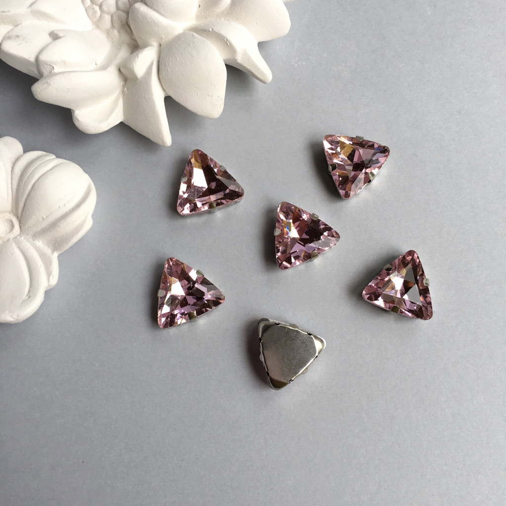 Стразы в оправах. Треугольник. 18 мм. Цвет: Pale rose(Пудово-розовый)