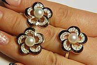 Комплект серебряных украшений с золотом  и жемчугом в виде цветка - серьги и кольцо