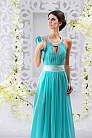 Элегантное вечернее платье с украшенной горловиной