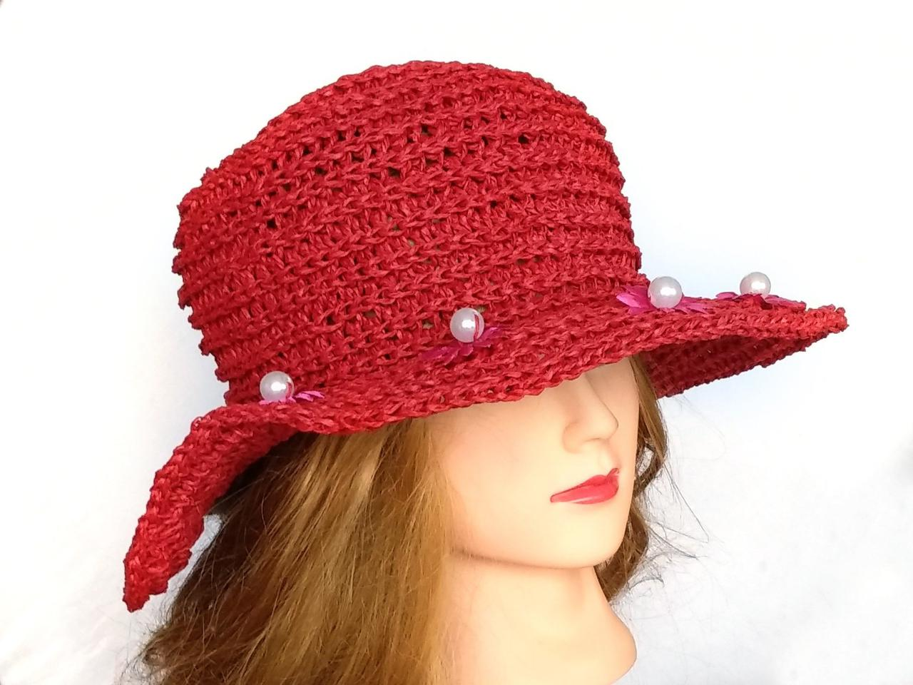 Шляпа женская из рафии, Красная шляпа с цветками и жемчужинами