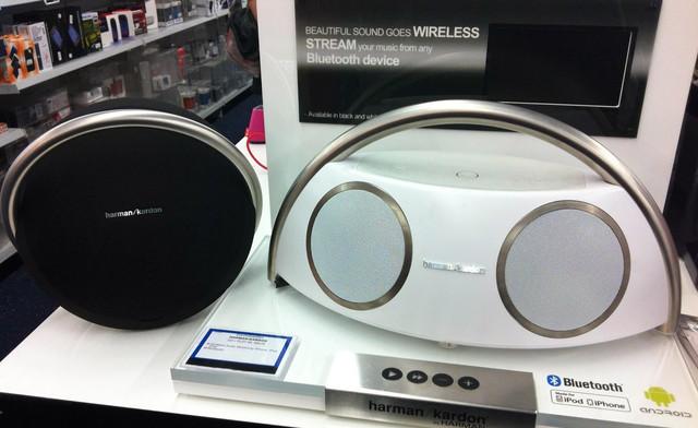 Harman Kardon Go&Play Wireless White stand