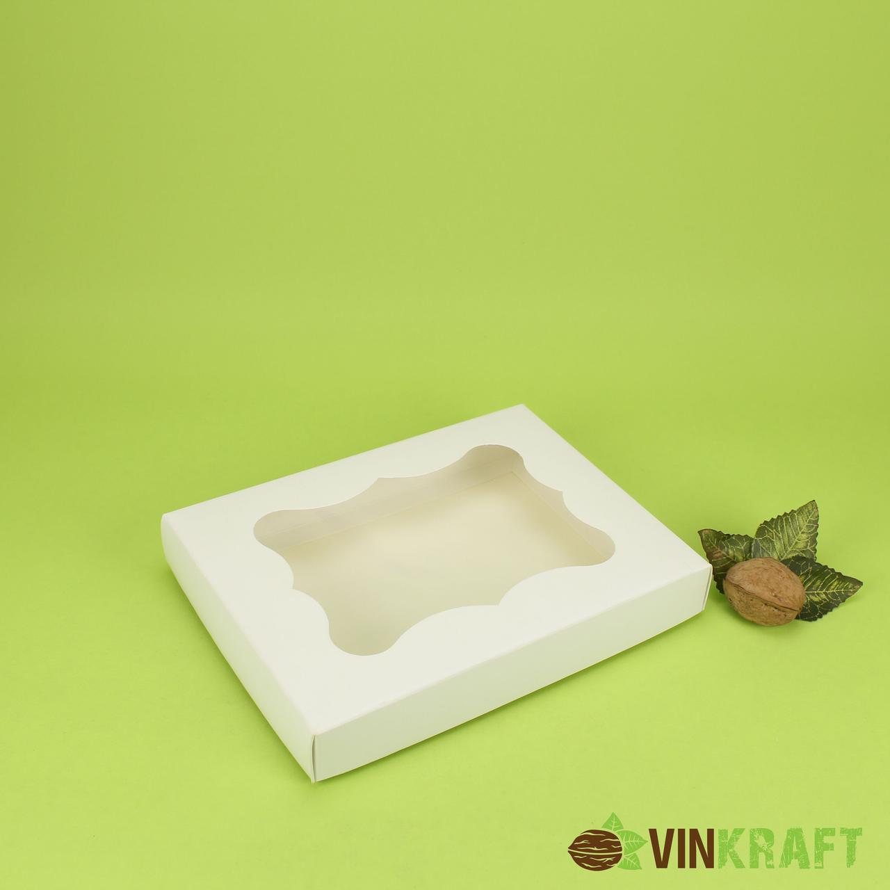 Коробка 200*150*30 для пряника з вікном, біла