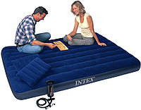 Надувной матрас Intex 152х203х22см с комплектом насос и подушки