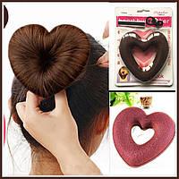 Знаменитая заколка для волос -Валик Бублик в форме сердечка коричневого цвета